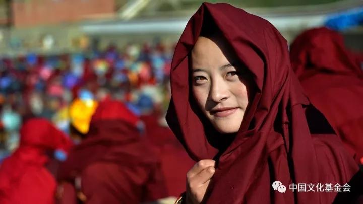 亚青寺觉姆岛:离佛祖最近的女儿国