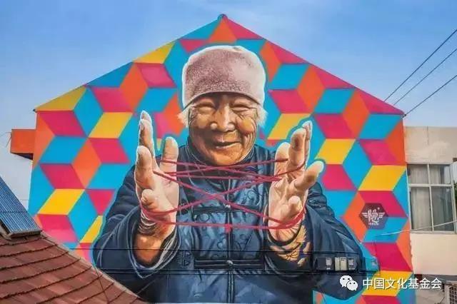 美哭了!100位艺术家去了中国农村,一顿操作后离去......